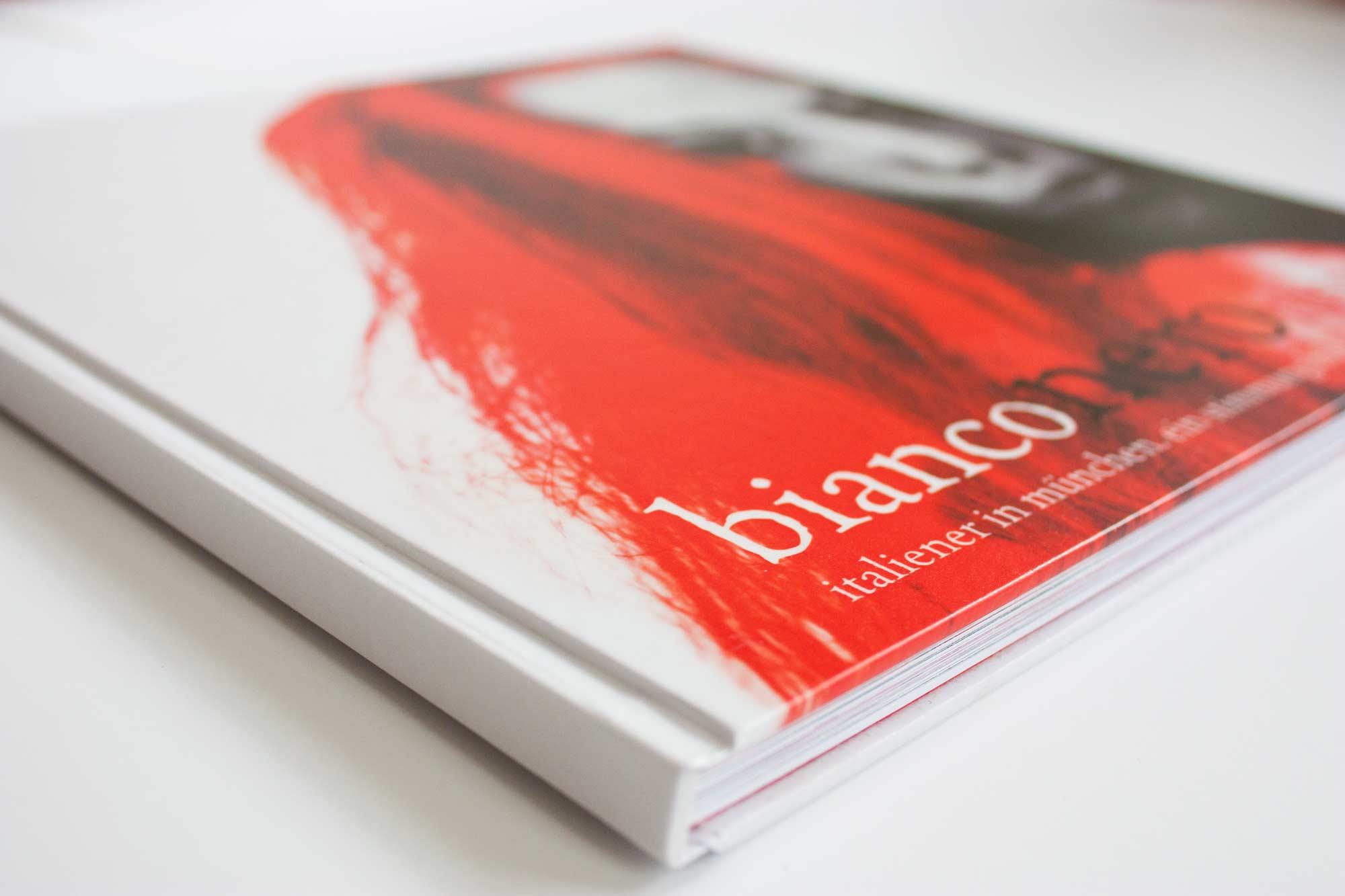 Buchcover mit bearbeiteter Fotografie