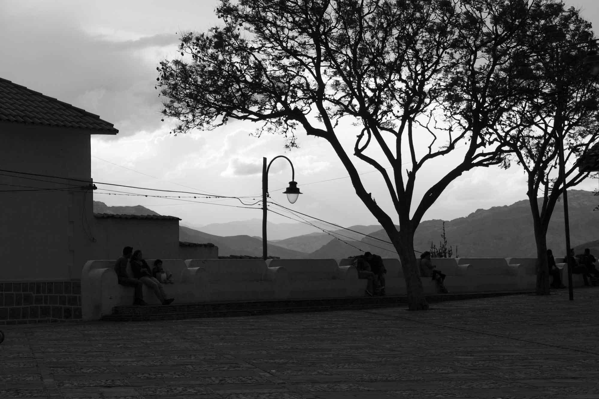 Gegenlichtaufnahme, Plaza Pedro de Anzures in Sucre, Bolivien